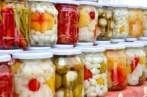 Vitaminbombák házilag – készüljünk a télre ízletes savanyúságokkal!